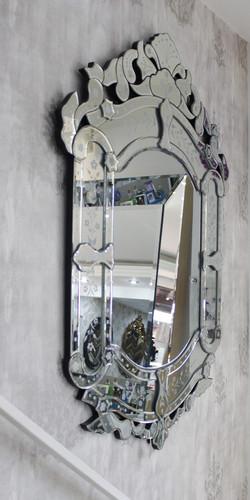 Espelhos Venezianos.