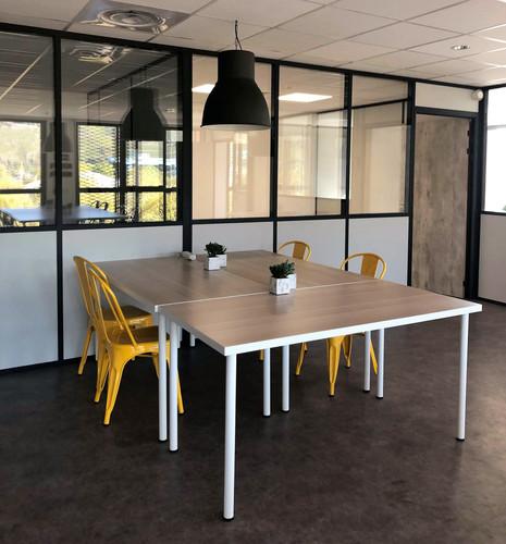 photo coworking jaune.jpg