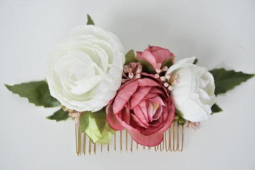 """Blumenhaarkamm aus Seidenblumen """"Ranunculus"""""""