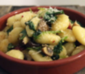 gnocchi with kale and mushrooms 490x428.