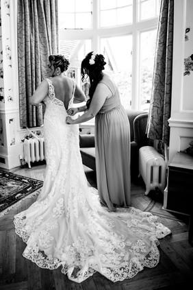 Bisham Abbey Bridal Prep-48.jpg