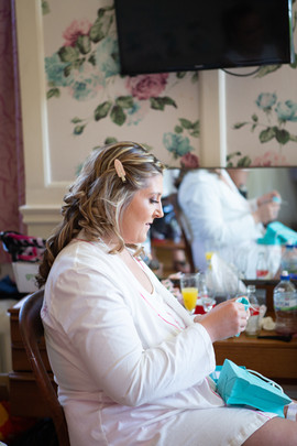 Bisham Abbey Bridal Prep-2.jpg