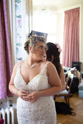 Bisham Abbey Bridal Prep-53.jpg