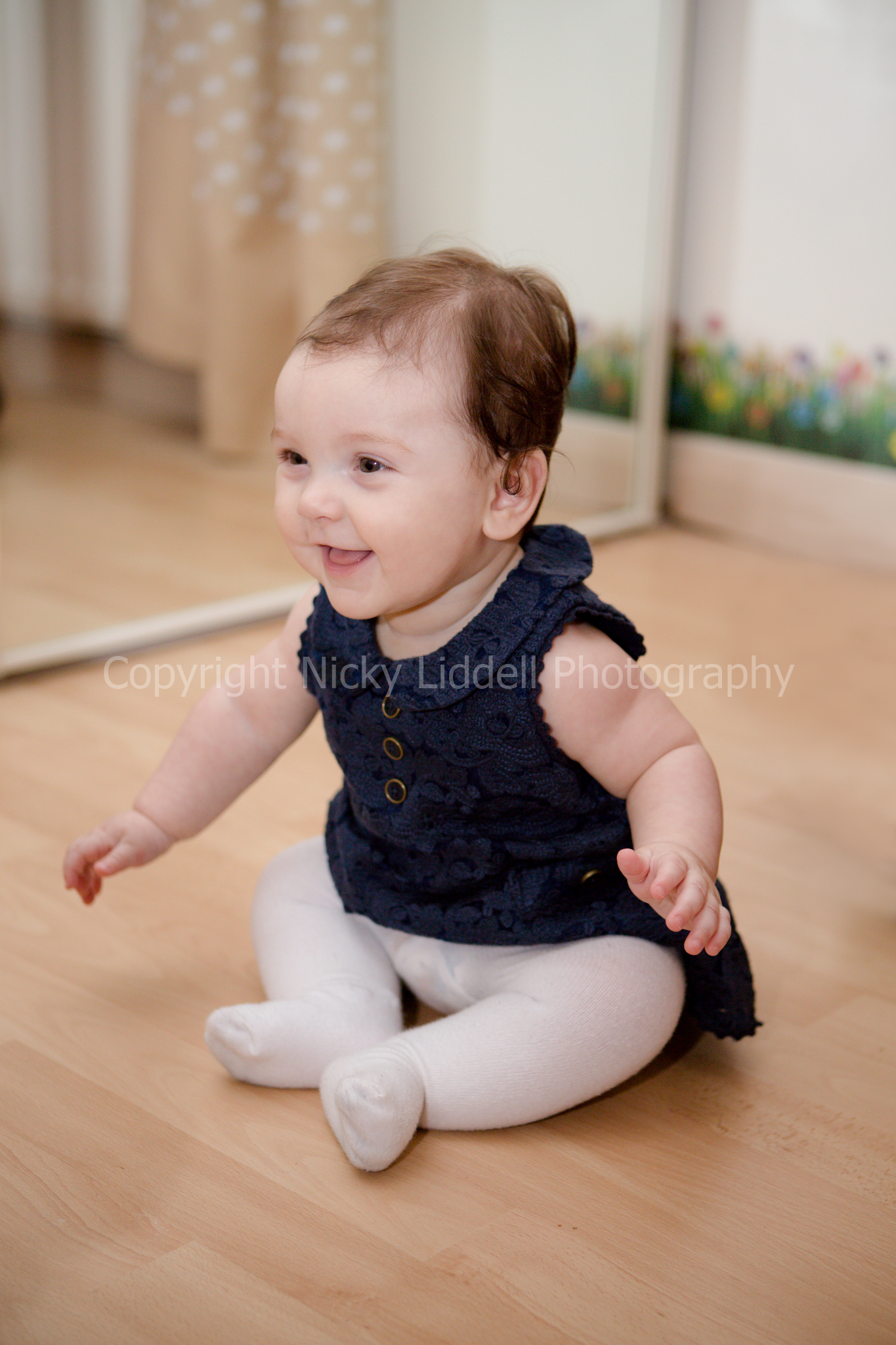 Amelia 6 months-18