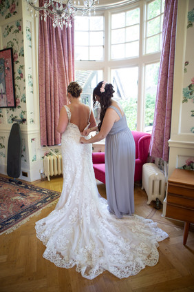 Bisham Abbey Bridal Prep-47.jpg