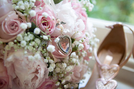 Bisham Abbey Bridal Prep-21.jpg