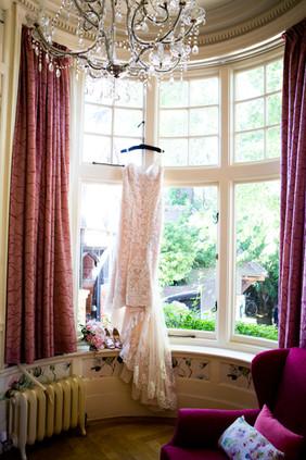 Bisham Abbey Bridal Prep-25.jpg