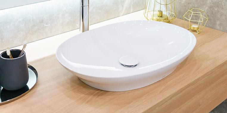 Clean bathroom sink, ALOE Cleaning, Regu