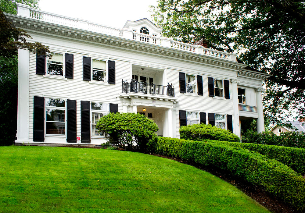 white colonial revival home in portland oregon, classic design, historical architecture, classical architecture, old portland