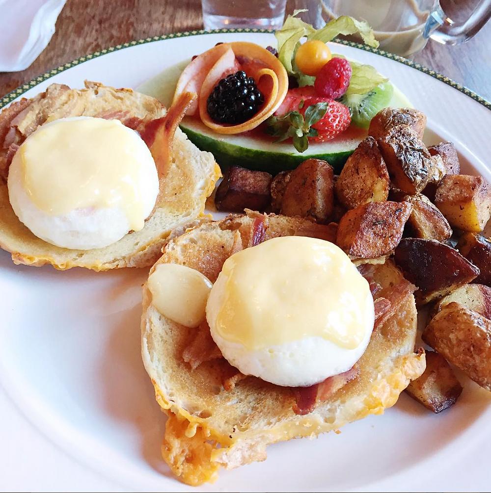 Lafaci Eats –New York Bagel Cafe – Eggs Benedict