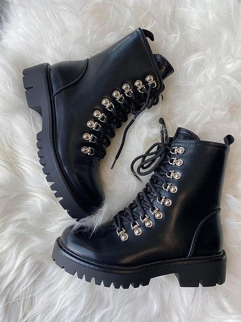Boots Nudi