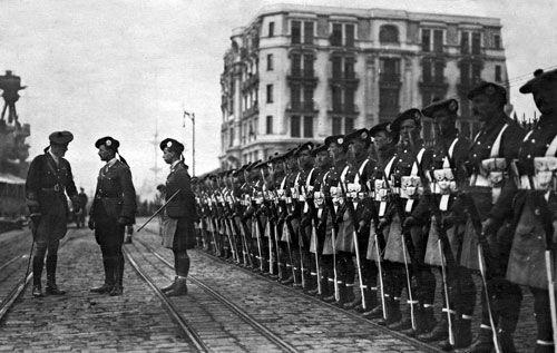 British_occupation_troops_in_Galata.jpg