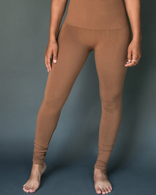 a660a39e24f26a • NICHOLS • solid high-waist 'tummy tuck' leggings - camel