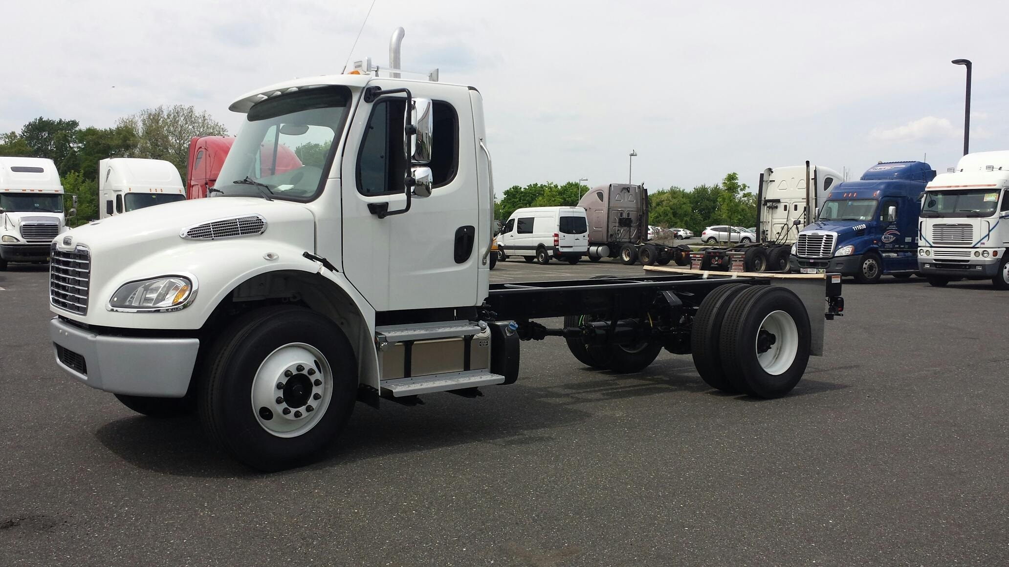 2015 Freightliner M2 106 Cab & Chass