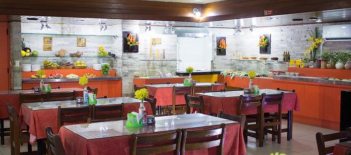 Foto interna do restaurante Acácia.
