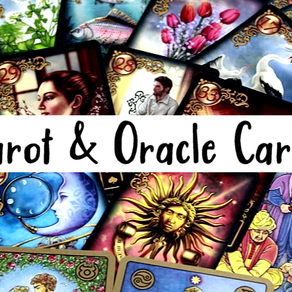 Tarot vs Oracle