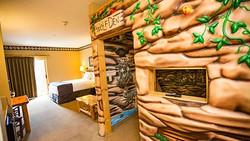 Great wolf Lodge den-sofa-suite