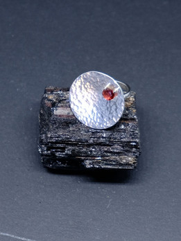 Mozambique garnet and silver textured disc ring