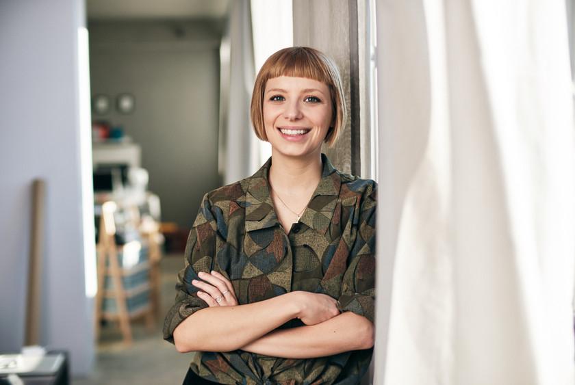 Porträt Foto Designerin in Studio