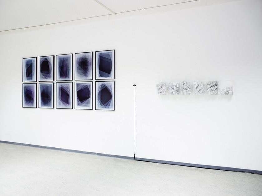 carressing_my_external_brain Ausstellungsansicht