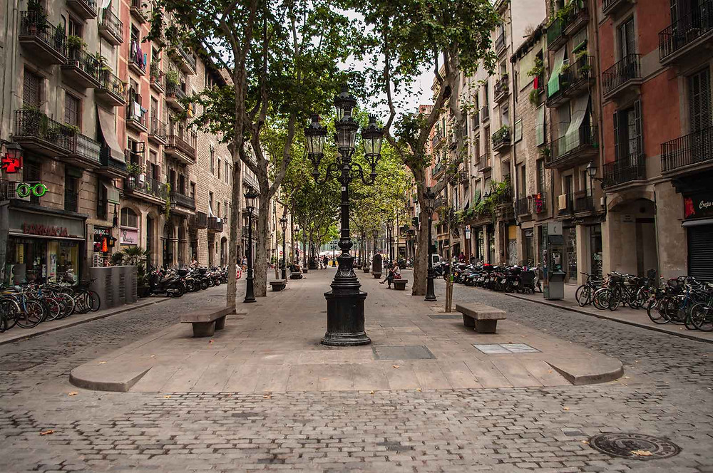 The Passeig del Born nowadays is a lively and vibrant street, lined with cool cocktail bars and local delicatessans.