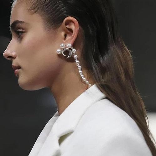 Pierced Zircons Earrings with pearls