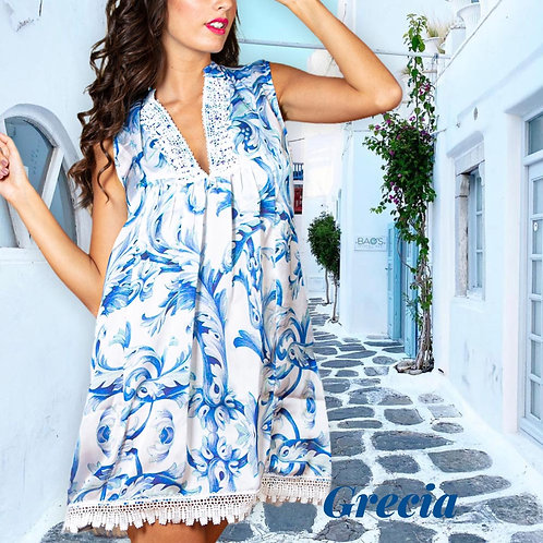 Short silky dress with embroideries