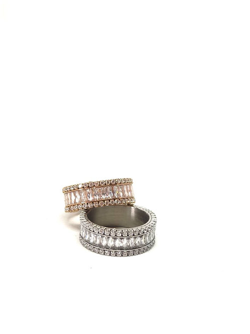 Zircons ring