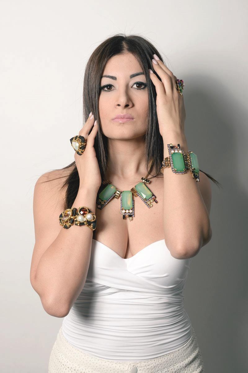 Η Νατάσα Χριστοδούλου, δημιουργός κοσμημάτων, ξεκίνησε από το Μιλάνο και έφθασε στην Κύπρο με υπέροχες ιδέες, πολλή φαντασία και δημιουργίες που ξεχωρίζουν.