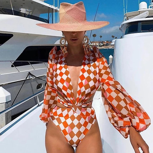 Full-bodied swimming suit