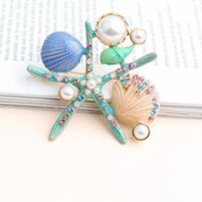 Brooch Mare mint color