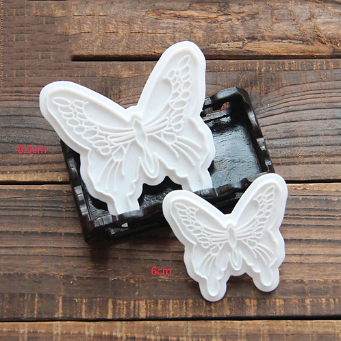 2 Découpoirs Papillons
