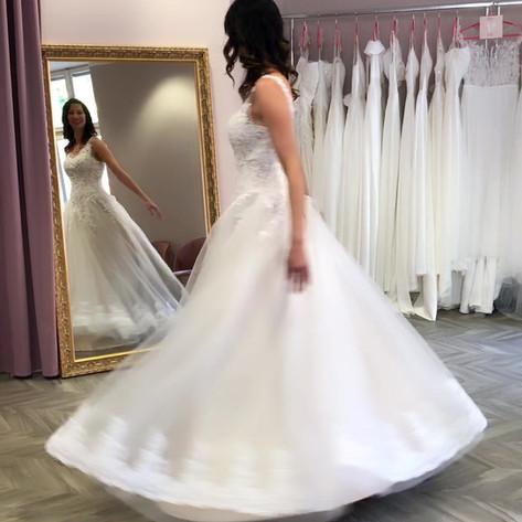 Brautkleid leihen kaufen Berlin Brandenburg Hochzeitskleid Boho Vintage günstig Outlet Standesamt kostenlos Termin