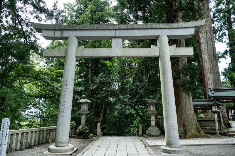 白山比咩神社_D5J1732-800p.jpg