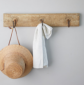 Rustic Wood Wall Rack.png