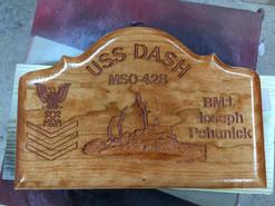 Memory plaque