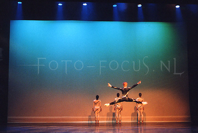 Theater 05.jpg