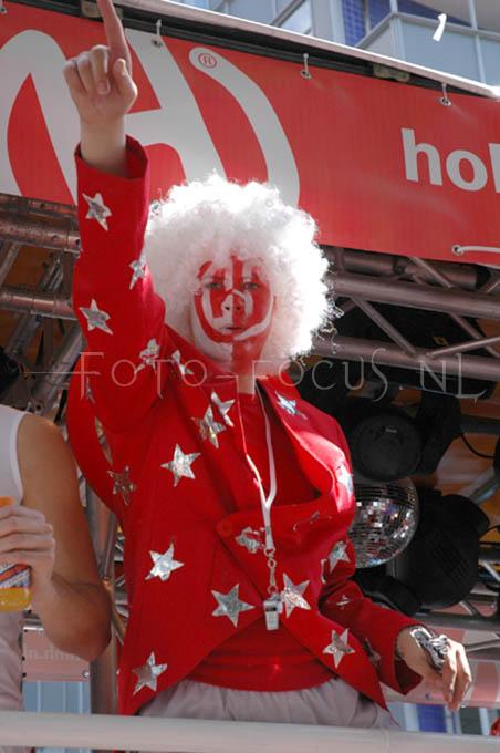 Dance parade2004- 03.JPG