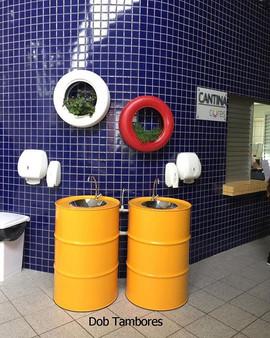 Pias de tambor, com cuba inox. Projeto para colégio Positivo - P. Grossa