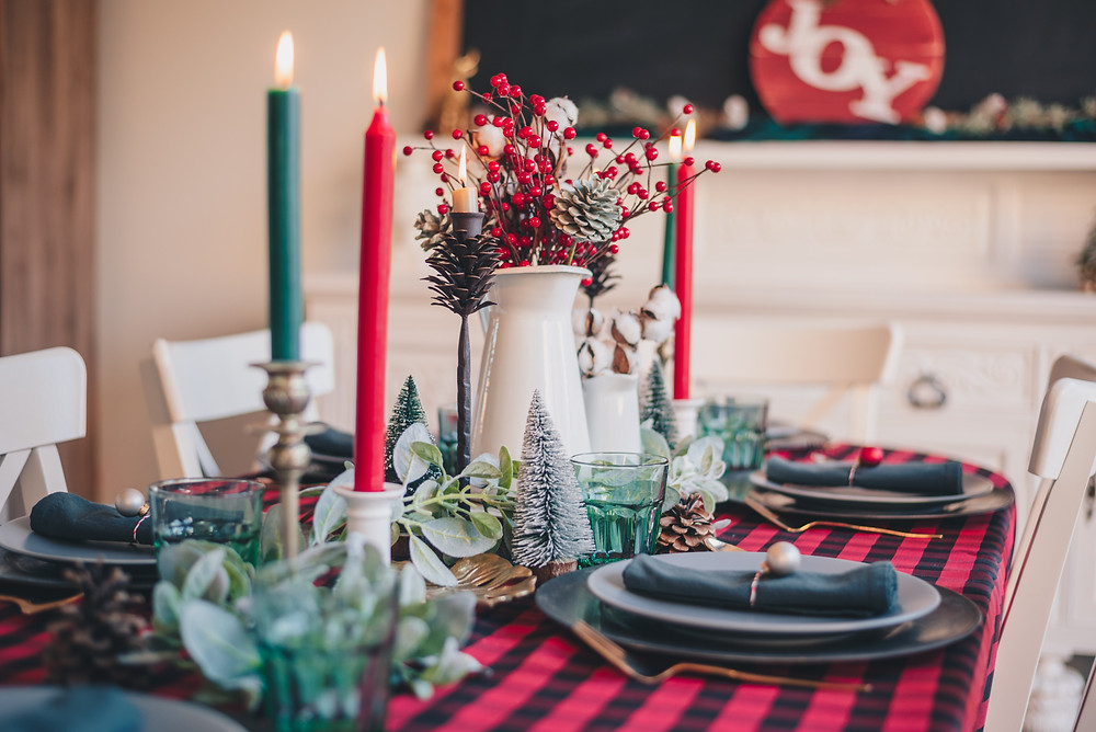 Gedeckter Tisch Weihnachten, Candle-Light-Dinner