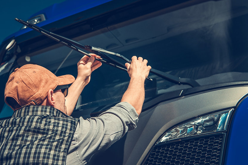truck-wipers-replacement-UKERLB8_edited.