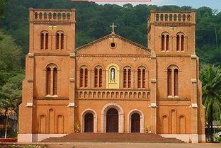 ob_7fcb08_cathedrale-de-bangui.jpg