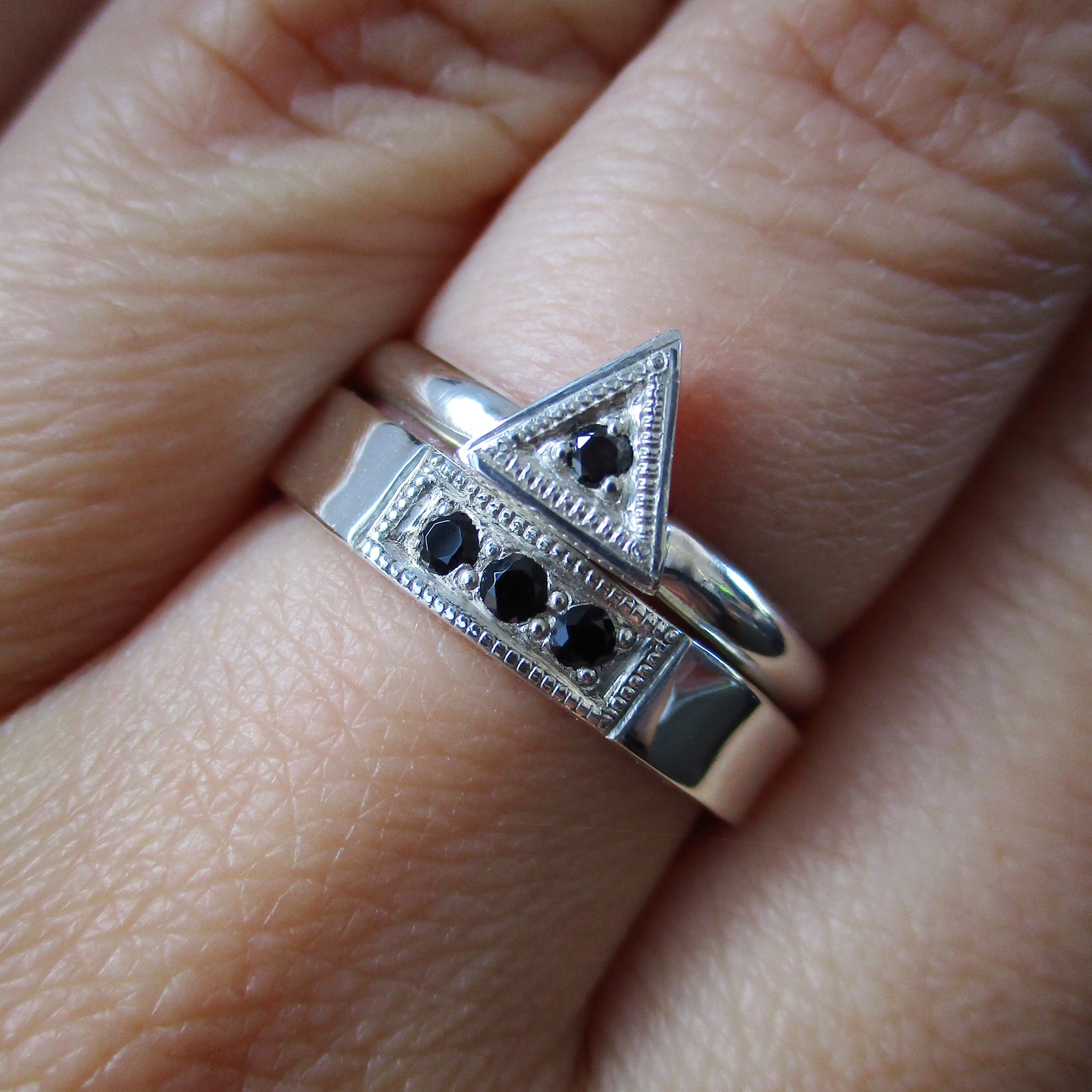 Bead Set diamond bands