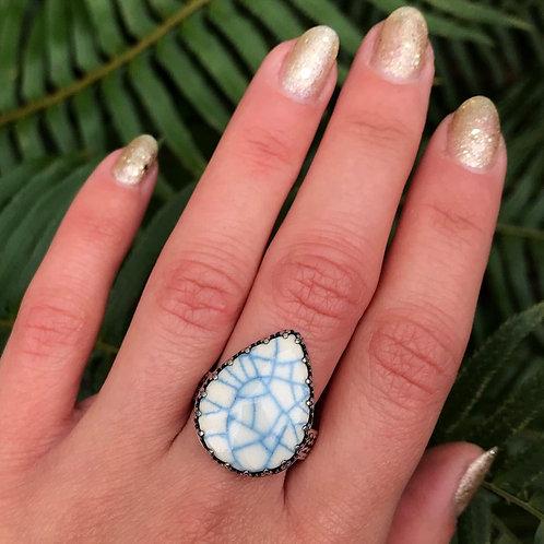 Snowflake Teardrop Ring | Ceramic Snowflake Crackle Glaze Ring | Size 9