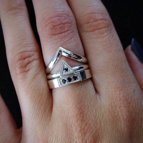 Black Diamond Triangle Ring | Size 7