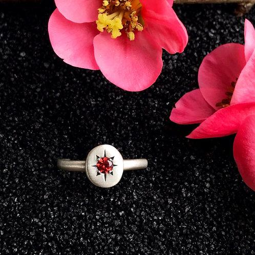 Garnet Starset Ring | Size 6.5-6.75