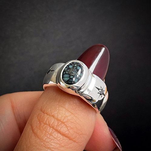 New Lander & Black Diamond Victoria Signet | Size 6.5