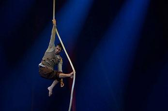 Circus, contemporary circus, Chicago circus, workshops, masterclasses, workshop, masterclass, Nacho Ricci, Igancio Ricci, rope, cuerda, rope battle, Cirque demain