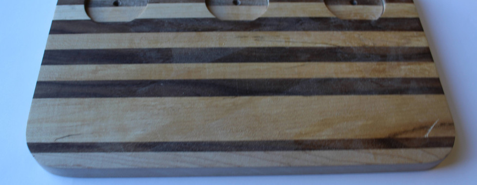 Cutting    Board   with   Cup    holders