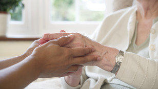 5 Simple Steps Seniors Can Take to Stay Healthy This Winter
